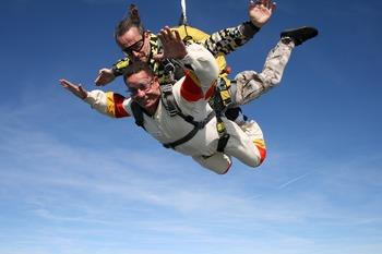 skydiving-721298_1280.jpg