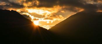 sunrise-824752_1280.jpg